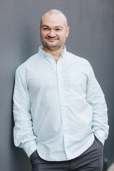 Rhett Ogston Melbourne Australia Chinese medicine, Energy medicine, Healer and personal development coach